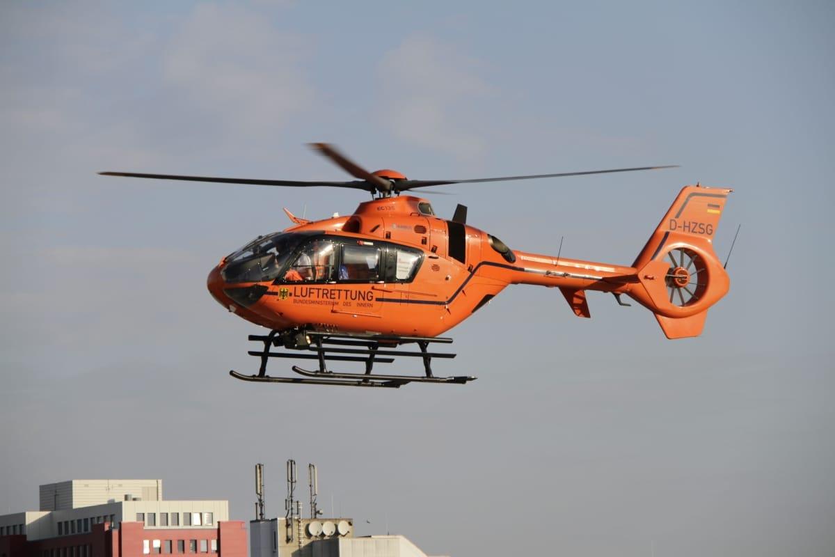 Elektrisches Spielzeug Ein Blauer Helikopter/ fast noch nie benutzt Ist in einem super Zustand