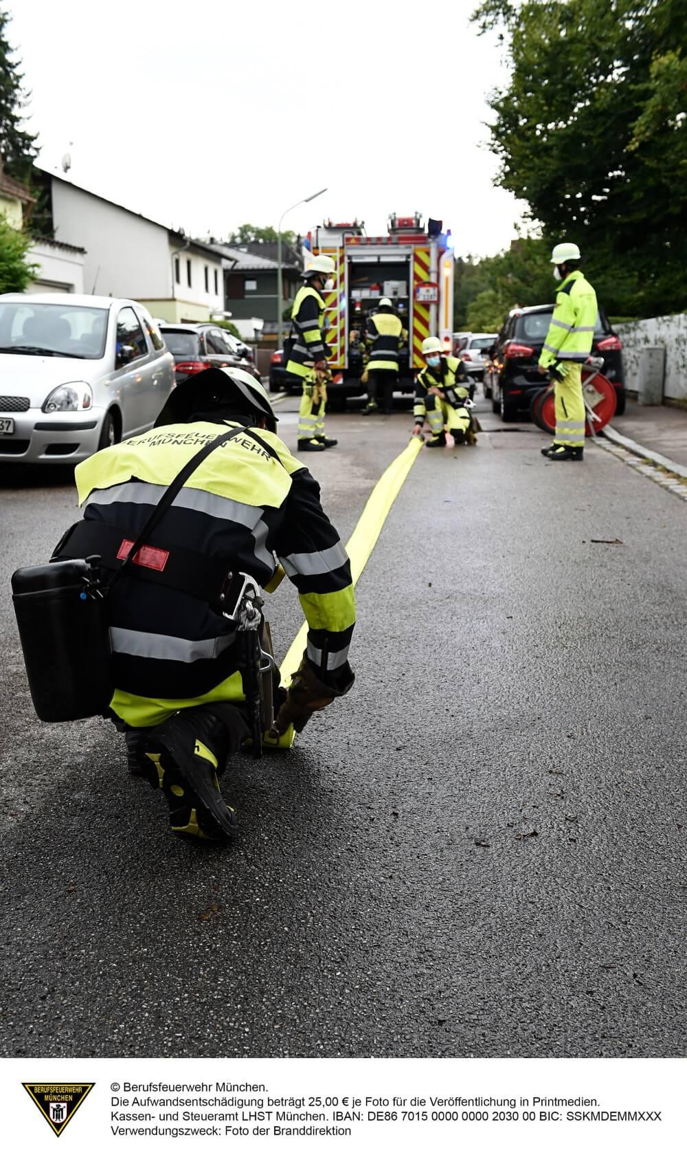 Ein brennendes Modellflugzeug löste am 22. August 2020 einen Einsatz der Münchener Feuerwehr aus.