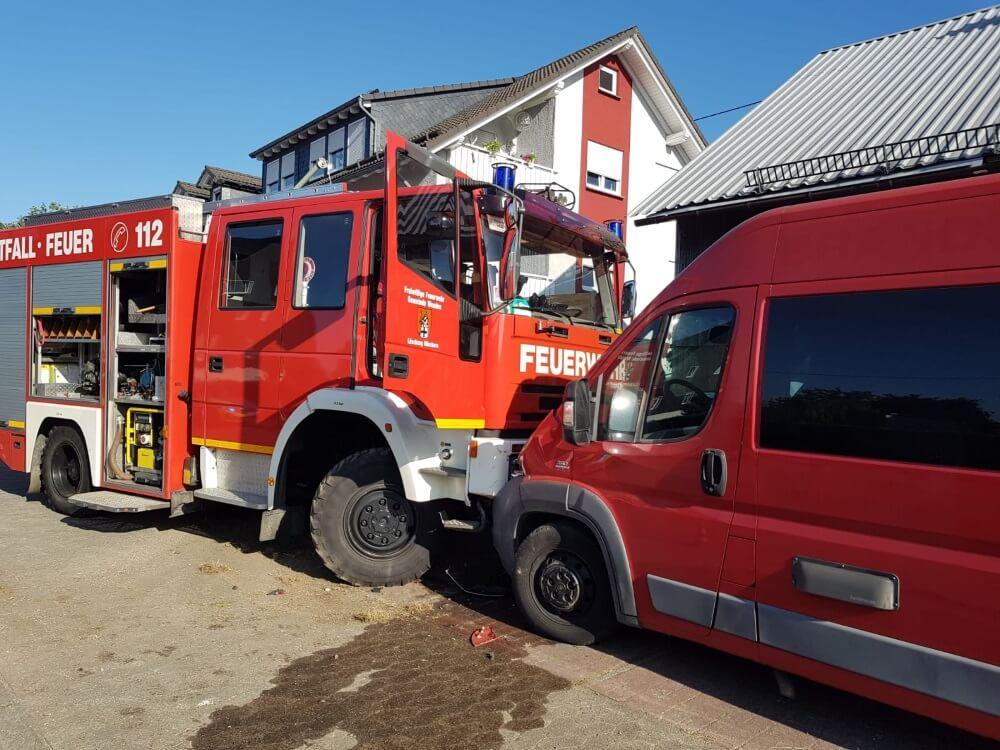 Ein Feuerwehrfahrzeug verunfallte am 21. September 2020 auf der Anfahrt zu einem Einsatz.