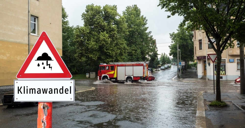 Feuerwehrdienstleistende sind einem größeren Unfallrisiko ausgesetzt als andere Berufsgruppen. Der Klimawandel wird künftigt dieses Risiko noch erhöhen.