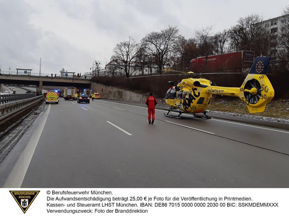Ein schwerwiegender internistischer Notfall sorgte am 14. Januar 2021 für mehrere Auffahrunfälle auf der A96.