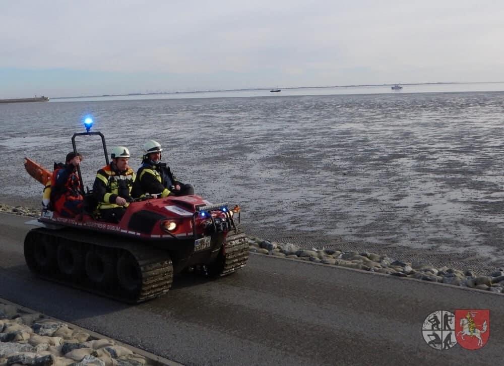 Eine Frau steckte am Nachmittag des 8. März 2021 im Büsumer Watt in einer Notlage, aus der sie die Feuerwehr Büsum rettete.