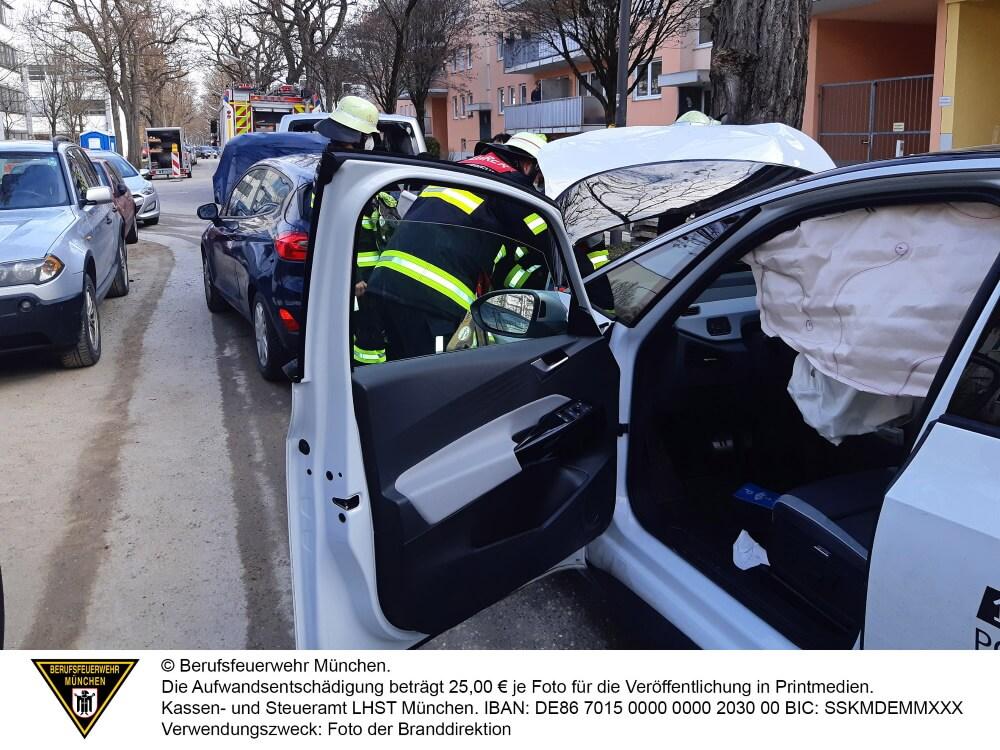 Einen Verkehrsunfall meldete die automatische Unfallmeldung eines e-Volkswagen am Morgen des 23. März 2021 in München.