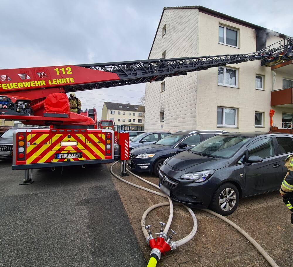 Eine in Brand gerattene Fritteuse hatte am Nachmittag des 18. April 2021 einen Küchenbrand in Lehrte ausgelöst.