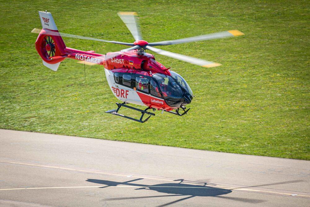 Die DRF hat ihren ersten Helikopter des Typs H145 auf einen Fünfblattrotor umgerüstet.