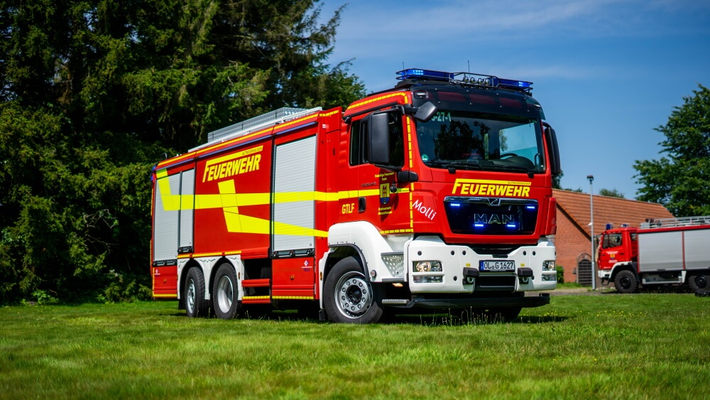 Bai lieferte im Juni 2021 ein neues G-TLF an die Feuerwehr Altmoorhausen.